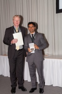 Dr. Rakesh Yadav (right) is awarded the Otto Hahn Medal